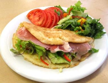 ドニャアレパのサンドウイッチ