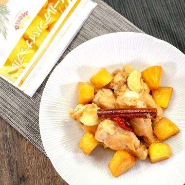チキンとパイナップルの煮込み