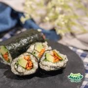 カリフラワーライスのベジタブル巻き寿司