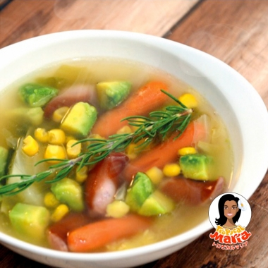 アボカドのコンソメスープ